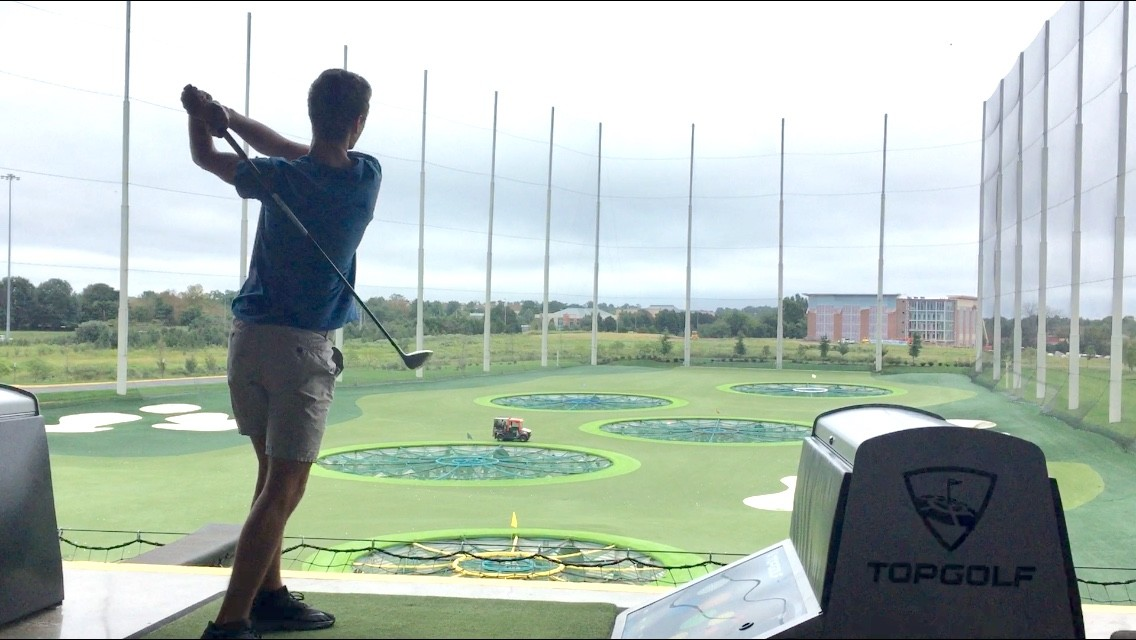 Top Golf Driving Range mit 3 Stockwerken | © Tim Bauer